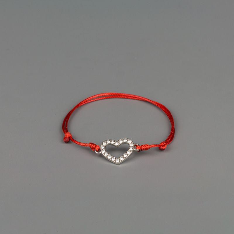 Червен конец за любов със Сърце