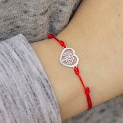 Гривна с червен конец и дървото на живота в сърце