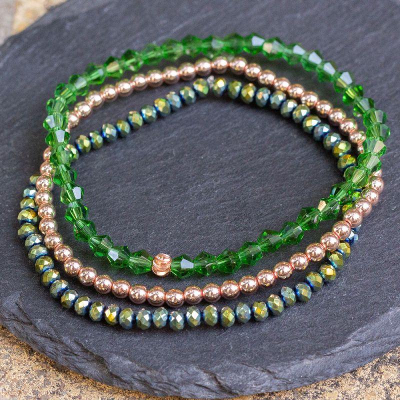 Три броя дамски гривни с Хематит и зелени кристали