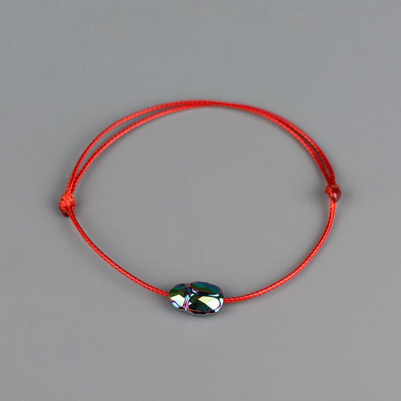Червен конец с елемент Swarovski Скарабей Scarabaeus Green