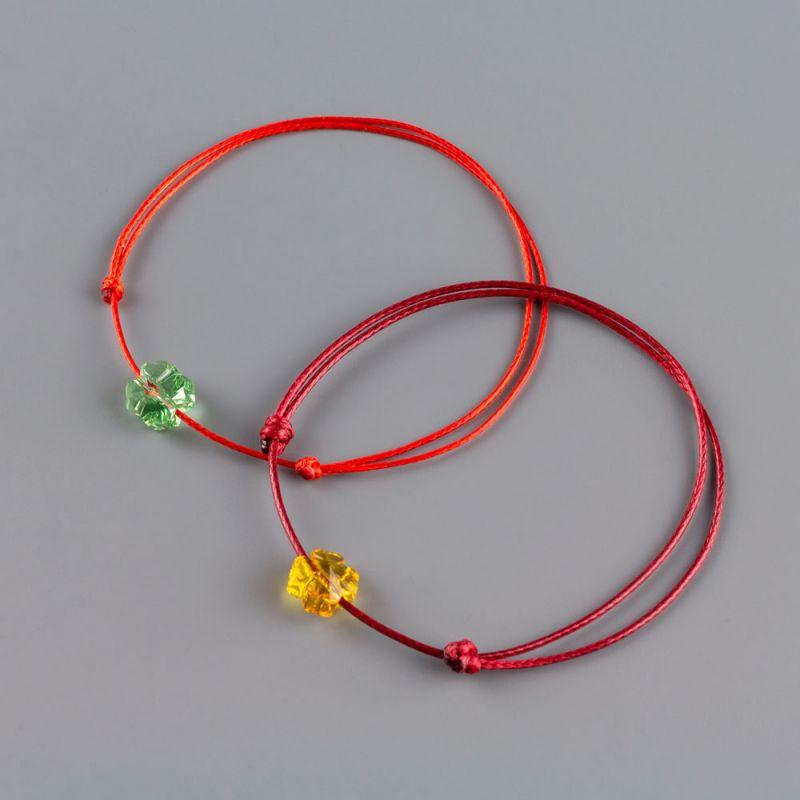Дамска гривна с червен конец и детелина кристал Swarovski