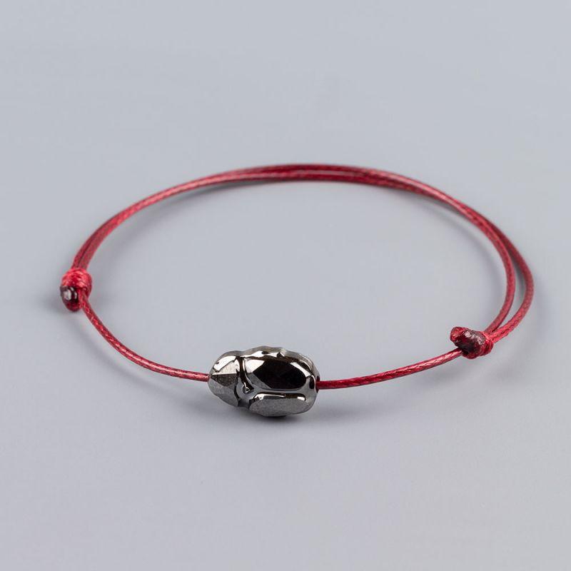 Гривна в цвят бордо със скарабей кристал Swarovski elements