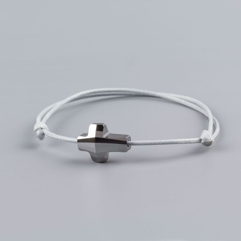 Светло сива гривна със сребрист кръст кристал Swarovski elements