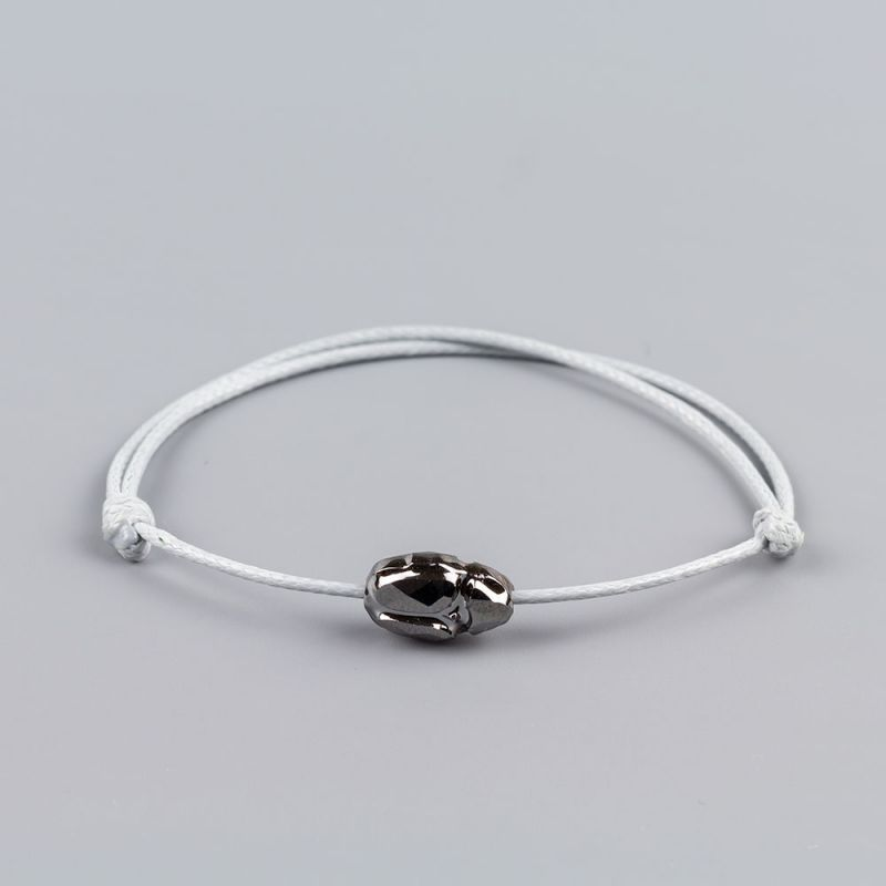 Сребристо-бяла гривна със скарабей кристал Swarovski elements