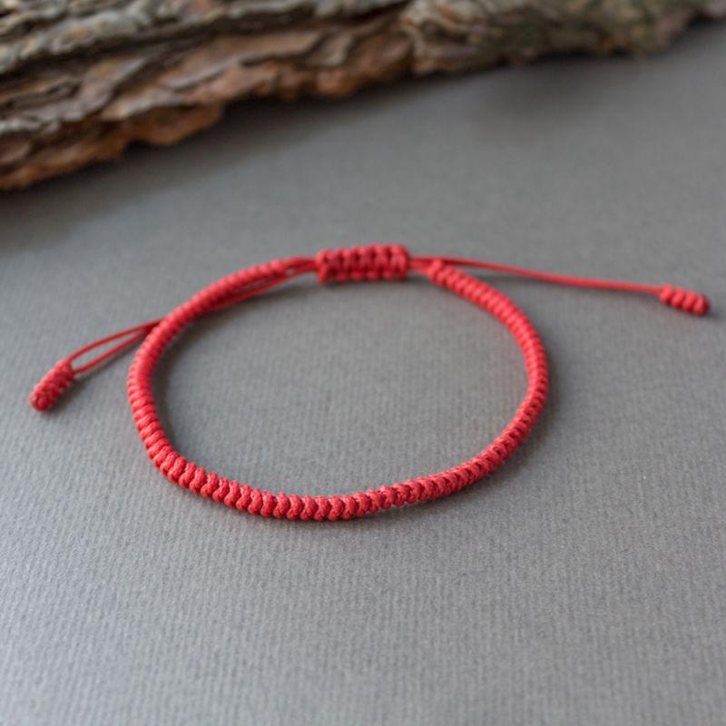 Червена плетена гривна Тибетски възел на щастието