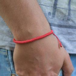 """Червена плетена гривна - """"Тибетски възел на щастието"""""""