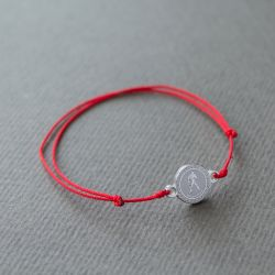 Зодиакален амулет с червен конец Водолей