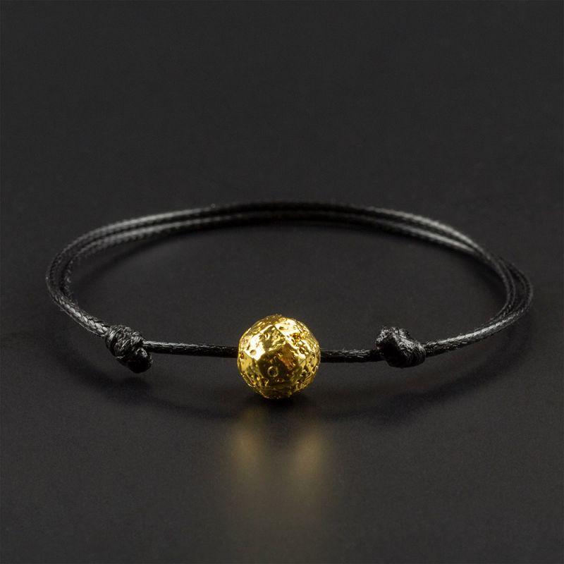 Красива гривна амулет с хематит в цвят злато