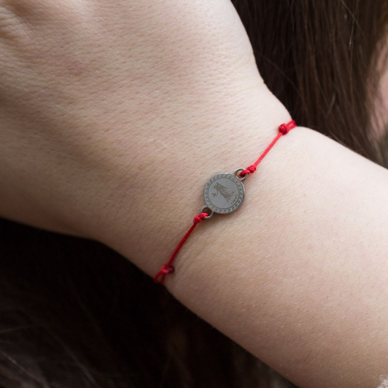 Зодиакален амулет с червен конец Дева