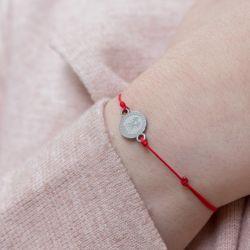 Зодиакален амулет с червен конец Близнаци