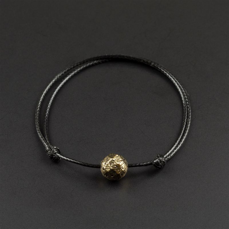 Красива гривна амулет с хематит в бронзов цвят