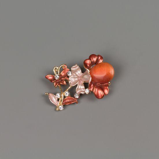 Брошка в златист цвят с емайлирано покритие и кристали Пролет
