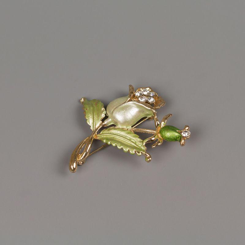 Елегантна брошка с кристали Цветя