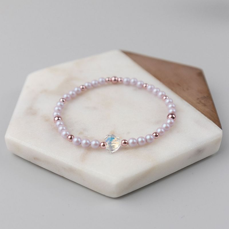 Нежно розова гривна с кристални перли Swarovski и сърце
