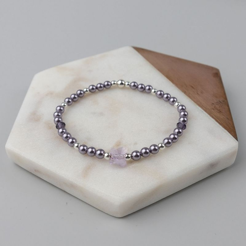 Виолетова гривна с кристални перли Swarovski и пеперуда