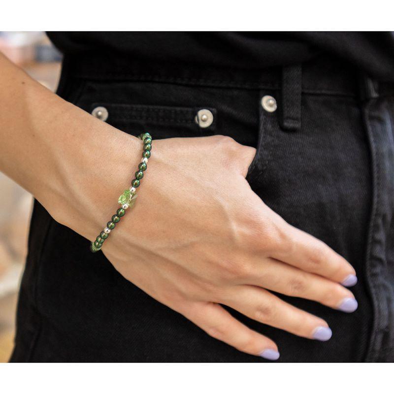 Зелена гривна с кристални перли Swarovski и пеперуда