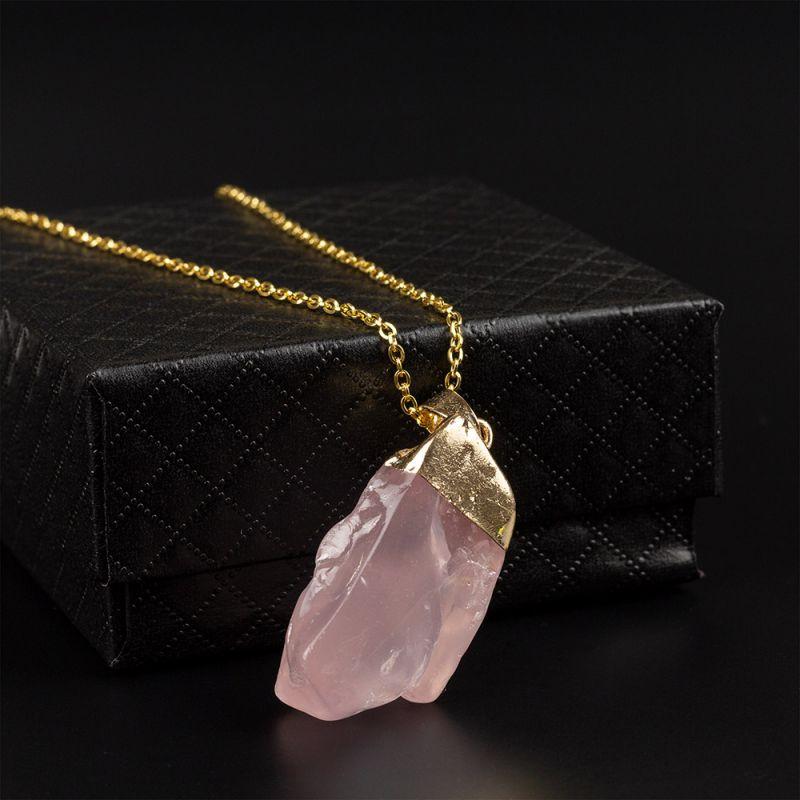 Колие с необработен камък Розов Кварц