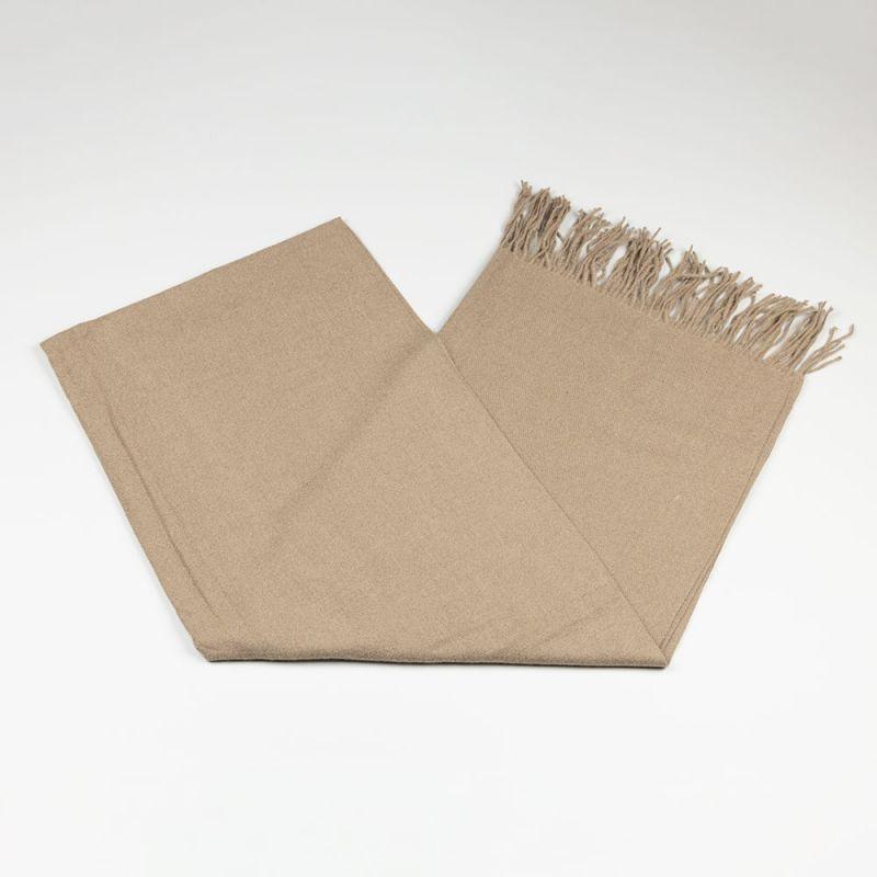 Дамски шал в бежов цвят