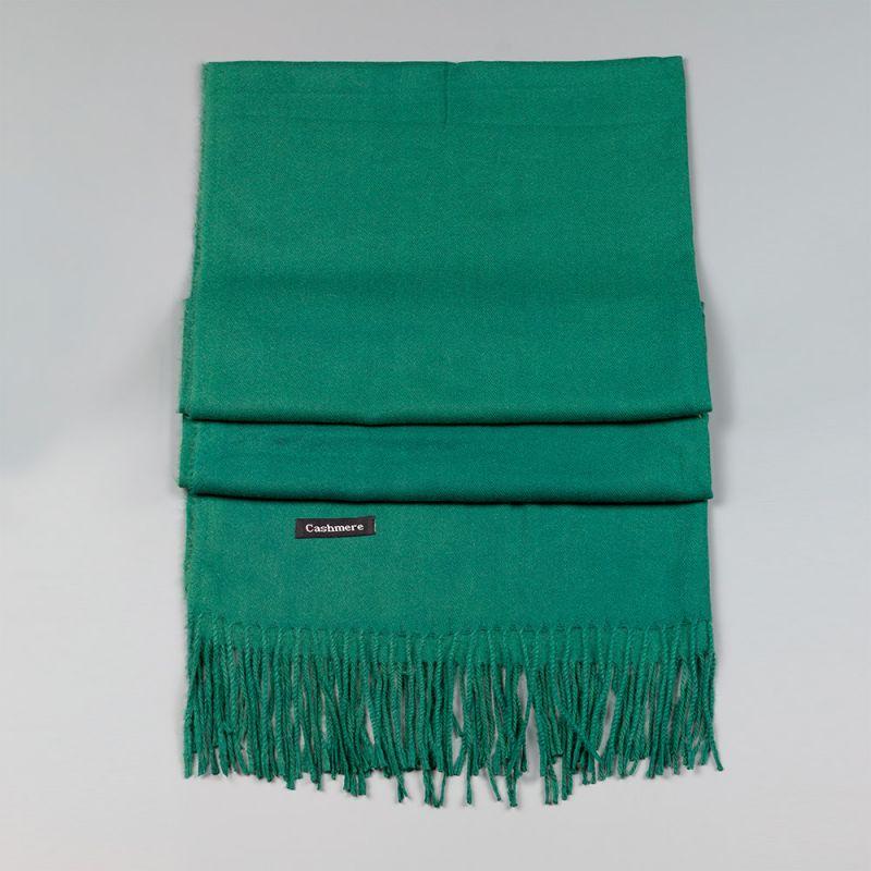 Дамски шал в зелен цвят