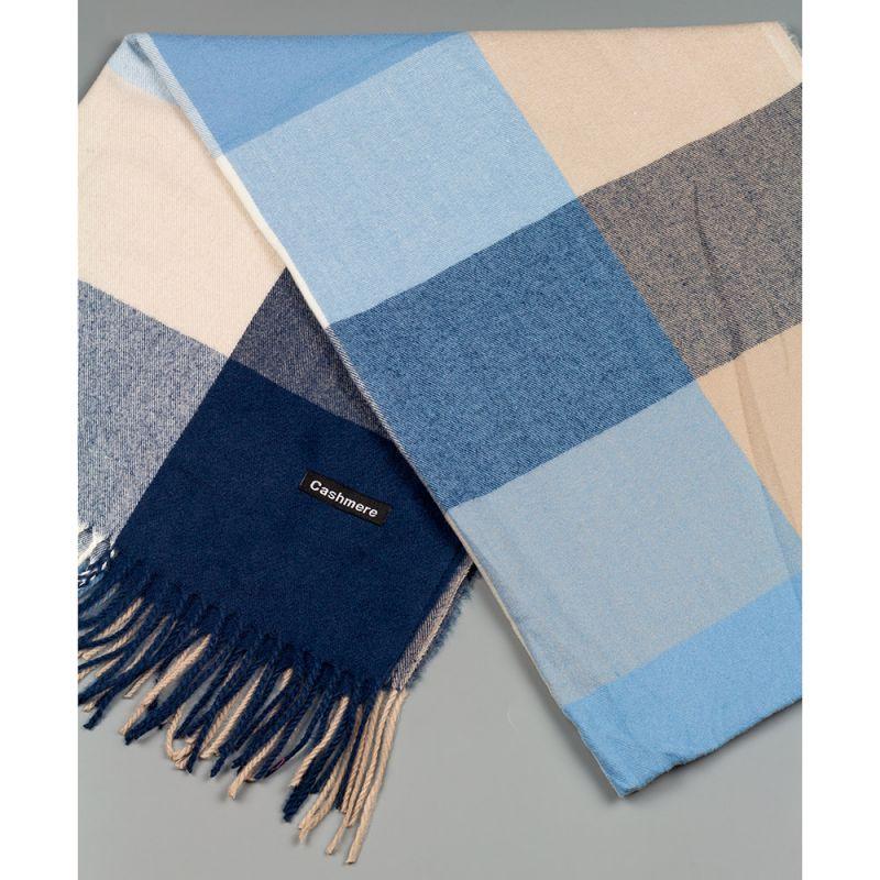 Зимен дамски шал в тъмно син и бежов цвят