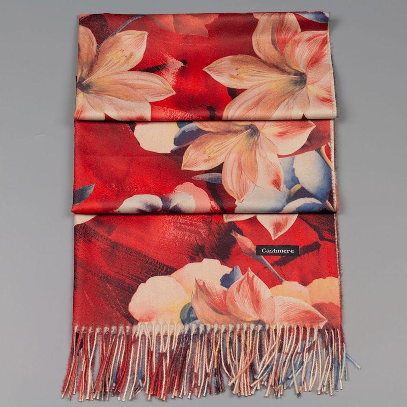 Есенен дамски шал в червено с цветя