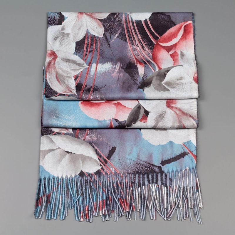 Есенен дамски шал в сив цвят с цветя