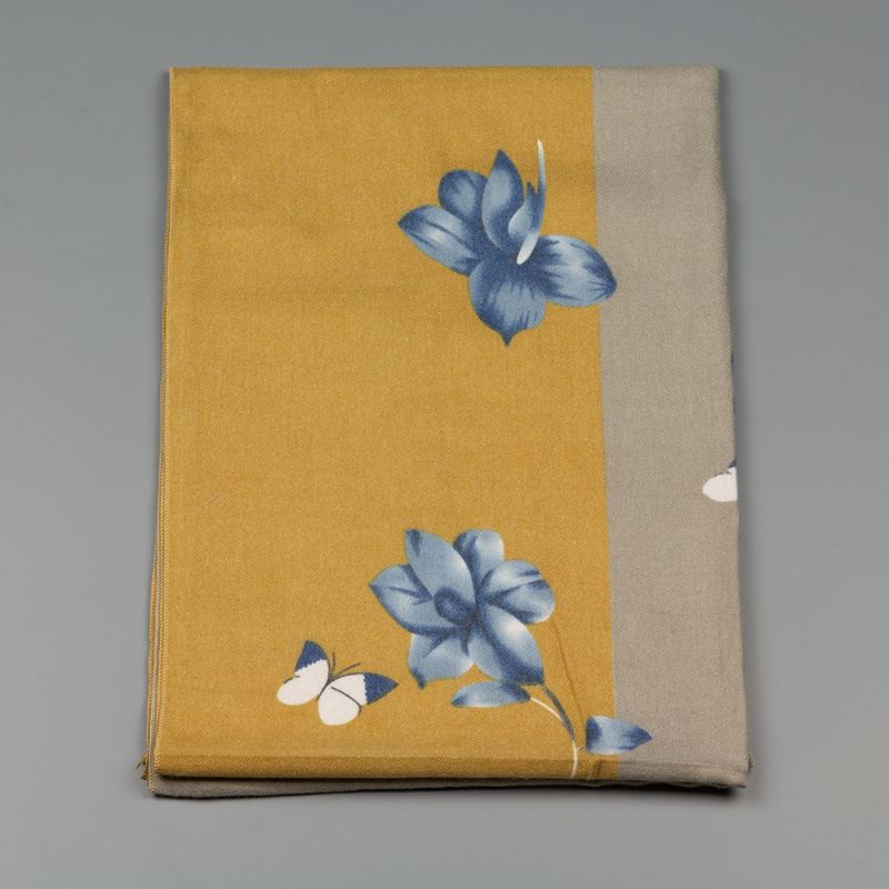 Дамски шал с цветя в охра