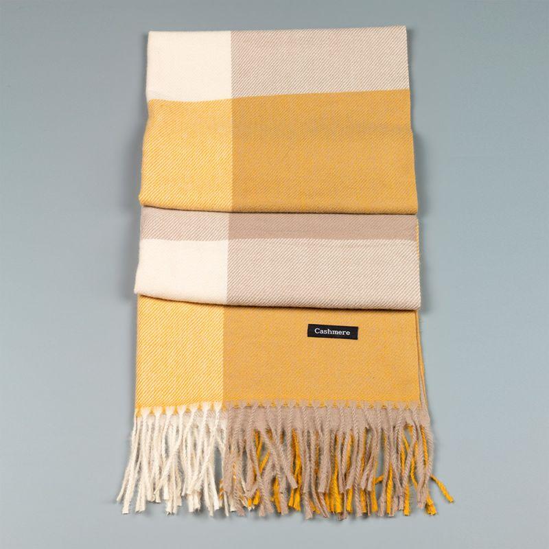 Зимен дамски шал в цвят горчица и бежово